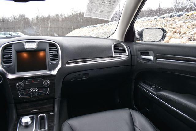 2015 Chrysler 300 Limited Naugatuck, Connecticut 14
