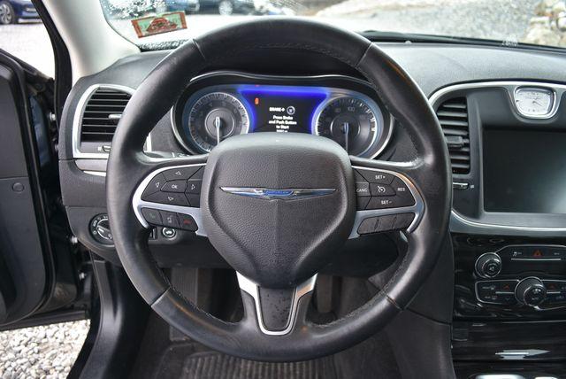 2015 Chrysler 300 Limited Naugatuck, Connecticut 17