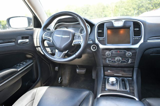 2015 Chrysler 300 Limited Naugatuck, Connecticut 10
