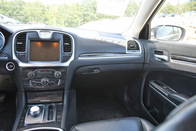 2015 Chrysler 300 Limited Naugatuck, Connecticut 12
