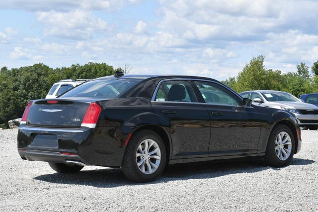 2015 Chrysler 300 Limited Naugatuck, Connecticut 4