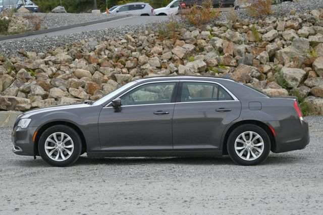 2015 Chrysler 300 Limited Naugatuck, Connecticut 1