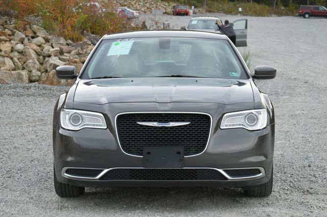 2015 Chrysler 300 Limited Naugatuck, Connecticut 7
