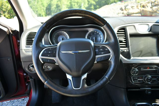 2015 Chrysler 300 300C Naugatuck, Connecticut 23