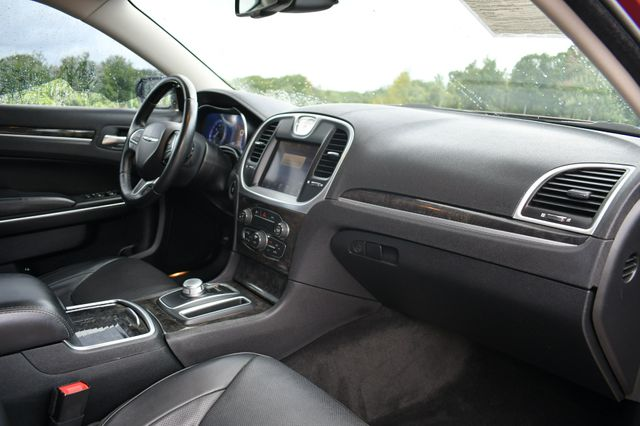 2015 Chrysler 300 300C Naugatuck, Connecticut 10