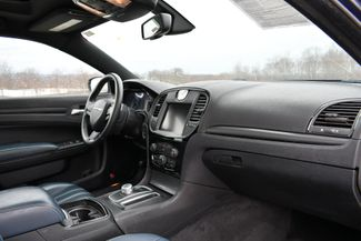 2015 Chrysler 300S AWD Naugatuck, Connecticut 10
