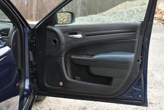 2015 Chrysler 300S AWD Naugatuck, Connecticut 12