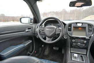 2015 Chrysler 300S AWD Naugatuck, Connecticut 17