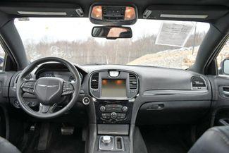 2015 Chrysler 300S AWD Naugatuck, Connecticut 18
