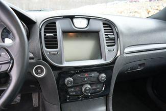 2015 Chrysler 300S AWD Naugatuck, Connecticut 24