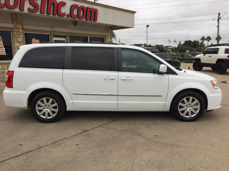 2015 Chrysler Town  Country Touring  Brownsville TX  English Motors  in Brownsville, TX