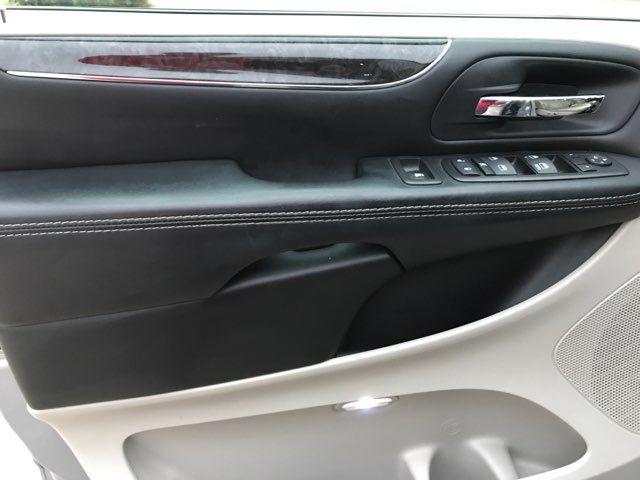 2015 Chrysler Town & Country Touring in Carrollton, TX 75006