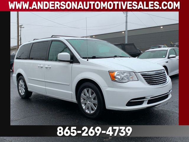 2015 Chrysler Town & Country LX