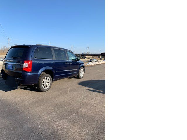 2015 Chrysler Town & Country handicap wheelchair accessible van Dallas, Georgia 14