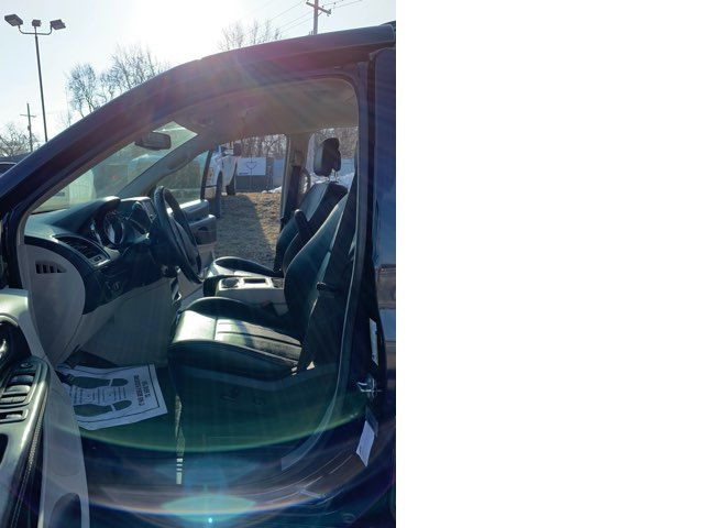 2015 Chrysler Town & Country handicap wheelchair accessible van Dallas, Georgia 6