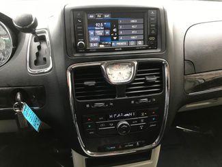 2015 Chrysler Town & Country Touring Farmington, MN 8