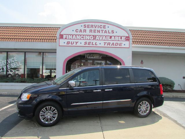 2015 Chrysler Town & Country Touring *SOLD
