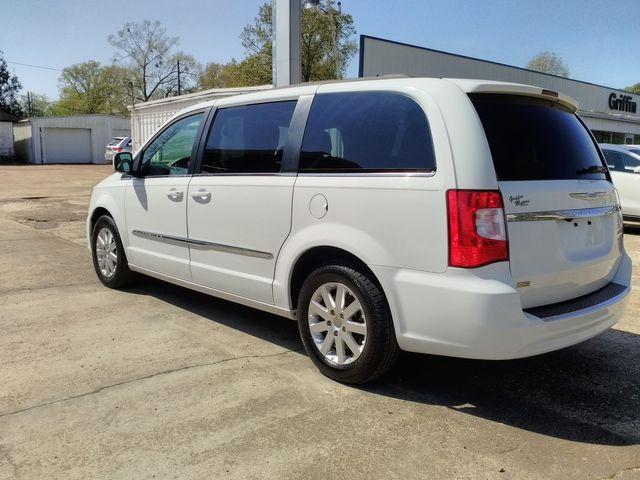2015 Chrysler Town & Country Touring Houston, Mississippi 4