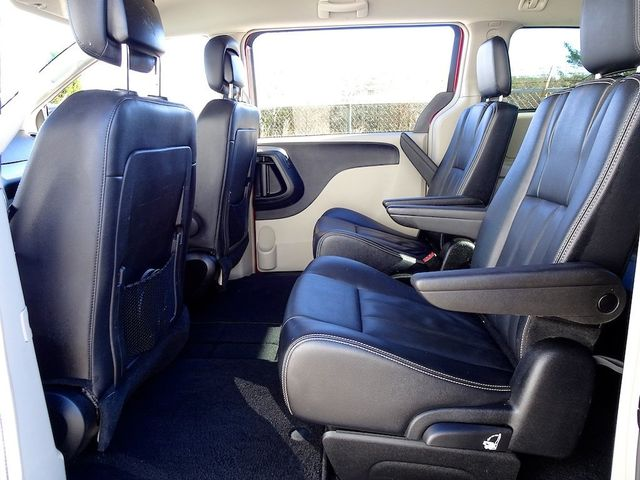 2015 Chrysler Town & Country Touring Madison, NC 33