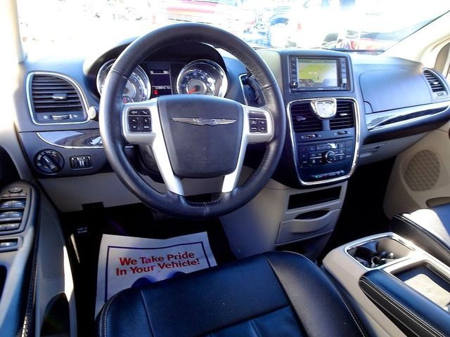 2015 Chrysler Town & Country Touring Madison, NC 45
