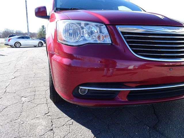 2015 Chrysler Town & Country Touring Madison, NC 8