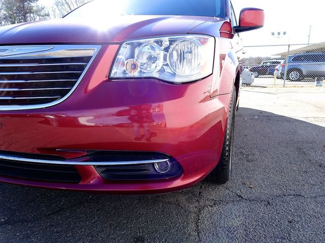 2015 Chrysler Town & Country Touring Madison, NC 9