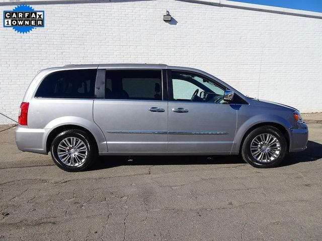 2015 Chrysler Town & Country Touring-L Madison, NC 1