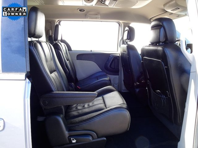 2015 Chrysler Town & Country Touring-L Madison, NC 37