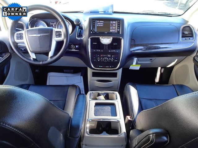 2015 Chrysler Town & Country Touring-L Madison, NC 41