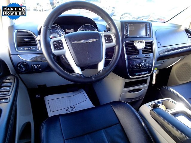 2015 Chrysler Town & Country Touring-L Madison, NC 42
