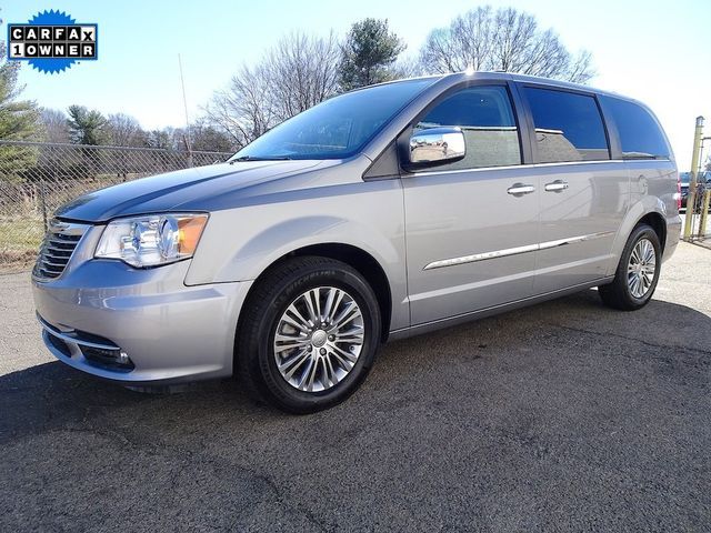 2015 Chrysler Town & Country Touring-L Madison, NC 6