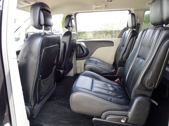 2015 Chrysler Town & Country Touring Madison, NC 31
