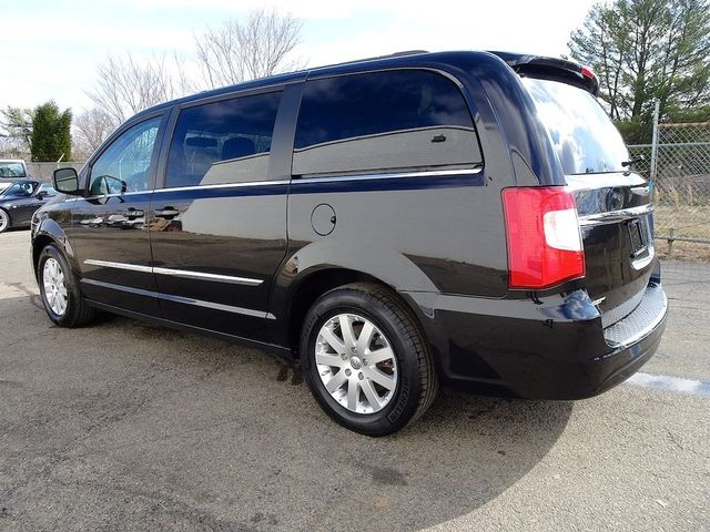 2015 Chrysler Town & Country Touring Madison, NC 4