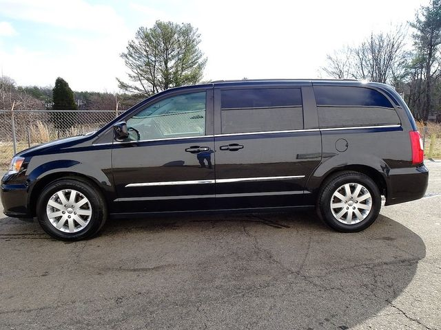 2015 Chrysler Town & Country Touring Madison, NC 5