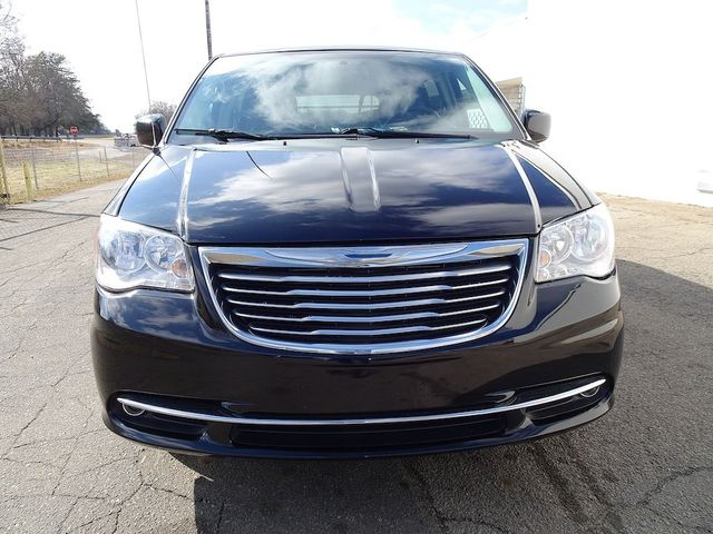 2015 Chrysler Town & Country Touring Madison, NC 7