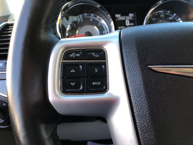 2015 Chrysler Town & Country Touring Madison, NC 16