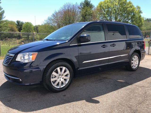 2015 Chrysler Town & Country Touring Madison, NC 6