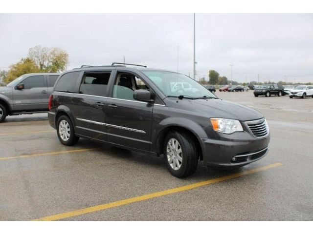2015 Chrysler Town & Country Touring in St. Louis, MO 63043