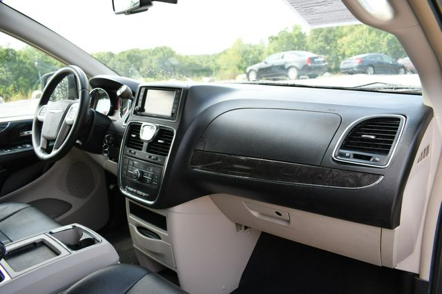2015 Chrysler Town & Country Touring Naugatuck, Connecticut 11