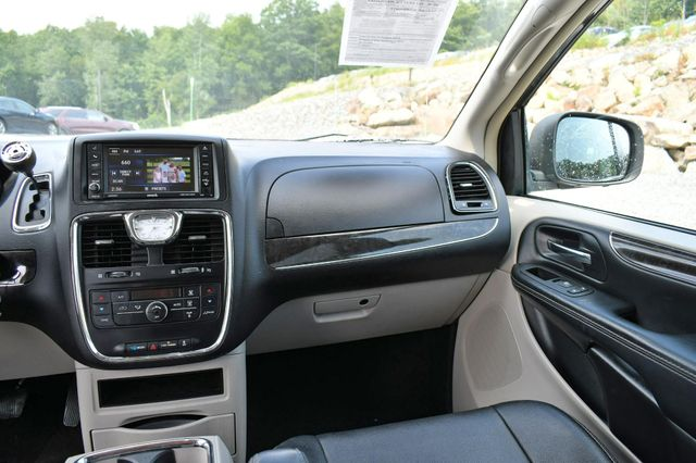 2015 Chrysler Town & Country Touring Naugatuck, Connecticut 19