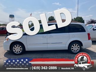 2015 Chrysler Town & Country Touring in Mansfield, OH 44903