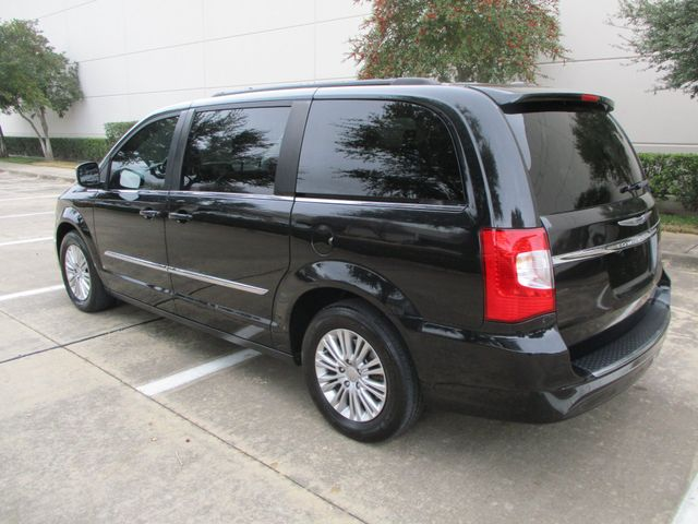 2015 Chrysler Town & Country Touring-L in Plano Texas, 75074