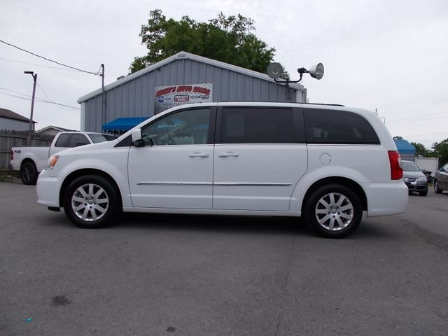 2015 Chrysler Town & Country Touring Shelbyville, TN 1