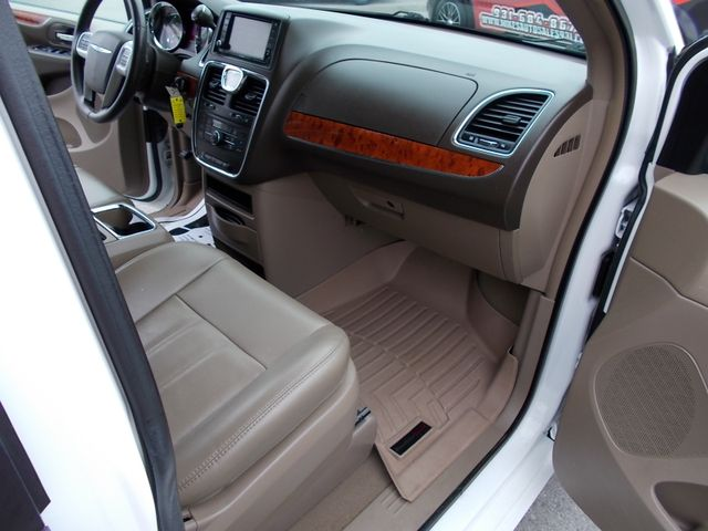 2015 Chrysler Town & Country Touring Shelbyville, TN 18