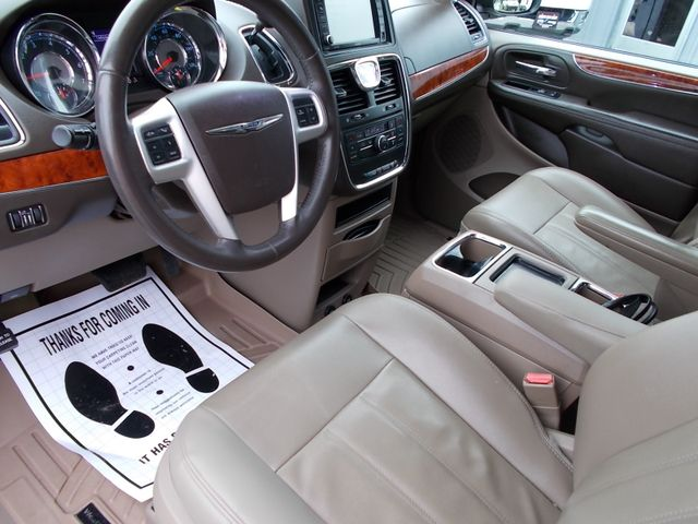2015 Chrysler Town & Country Touring Shelbyville, TN 23
