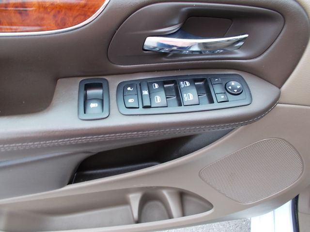2015 Chrysler Town & Country Touring Shelbyville, TN 24
