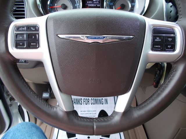 2015 Chrysler Town & Country Touring Shelbyville, TN 26