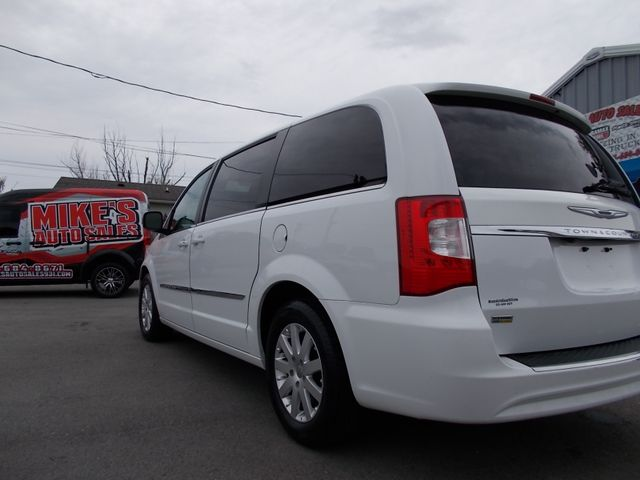 2015 Chrysler Town & Country Touring Shelbyville, TN 3