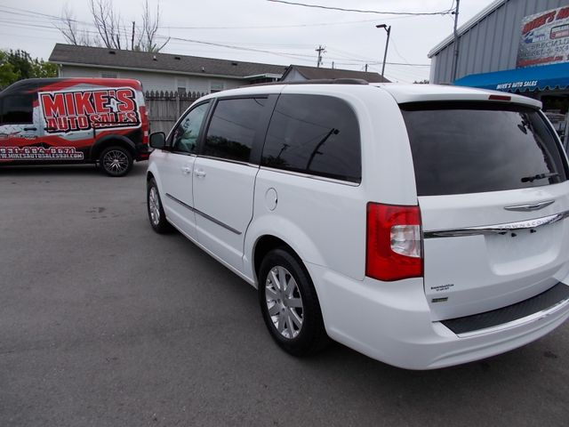2015 Chrysler Town & Country Touring Shelbyville, TN 4