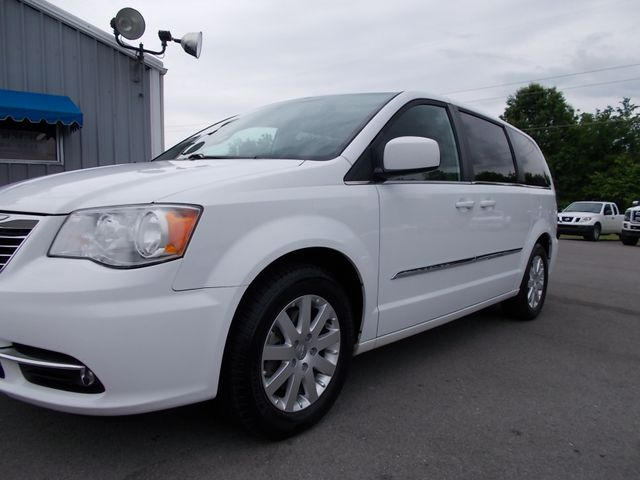 2015 Chrysler Town & Country Touring Shelbyville, TN 5